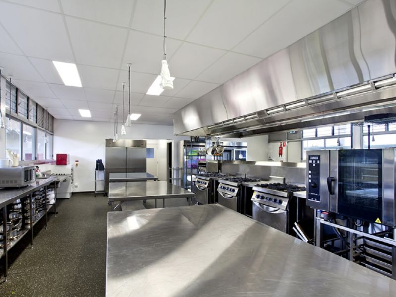strips-hotels-clubs-kitchen-fitouts